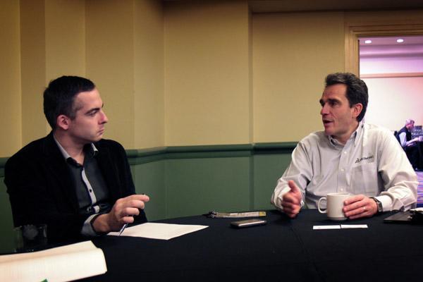 Bertrand Sicot, generální ředitel DS SolidWorks (vpravo) při rozhovoru pro časopis CAXMIX.