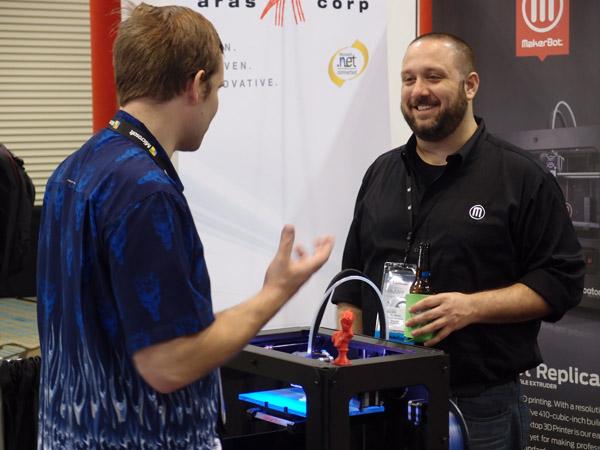 Na stánku firmy MakerBot je vždycky plno. V Orlandu se chlubí novinkou, kterou před pár dny představila na CES v Las Vegas.