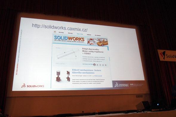 Na závěr drobná radost pro naši redakci - šéf českého SolidWorksu Zdeněk Bašta na konferenci zmínil také námi provozovaný web o SolidWorksu. Foto: Jan Homola