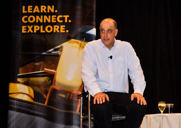 Šéf firmy Autodesk Carl Bass na konferenci Autodesk University 2012 v Las Vegas. Foto: Jan Homola