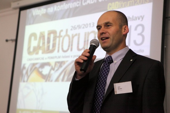 Ředitel CAD Studia Jan Binter při úvodním projevu.