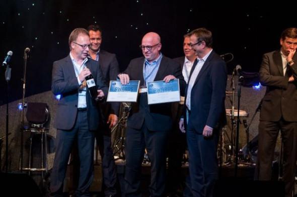Ředitel Technodatu Aleš Kobylík převzal v Berlíně od zástupců Dassault Systèmes ocenění za výborné obchodní výsledky, a také za úspěšný marketingový projekt létajícího kola F-bike. Zdroj: Technodat