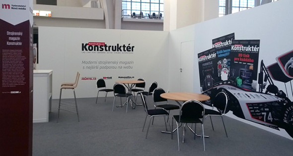 Výstavu 3D technologií otevírá expozice časopisu Konstruktér, ve které lze ulevit unaveným nohám nad stránkami našeho magazínu.