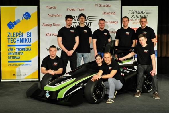 Za první formulí stojí dva roky pilné práce studentů, pedagogů a sponzorů. Foto: Formula Student VSB-TU Ostrava