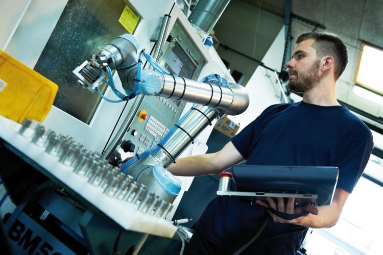 Universal Robots poprvé představí coboty e-Series na MSV 2018