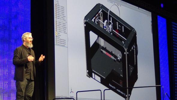 Hlavním řečníkem prvního dne byl Bre Pettis, bývalý generální ředitel MakerBotu. Foto: Marek Pagáč