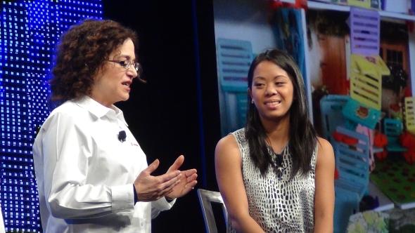 O stavebnici Roominate diskutovala Marie Planchard (vlevo) s Bettinou Chen. Foto: Marek Pagáč