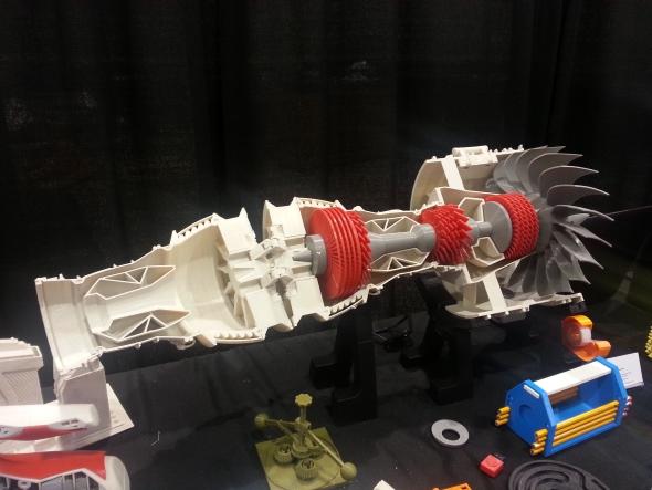 Hlavním tématem odborných diskuzí bylo využití aditivních technologií v průmyslu. Na fotografii můžete vidět model turbíny vytištěný na 3D tiskárně. Zřejmě se jedná o model pro výukové účely.