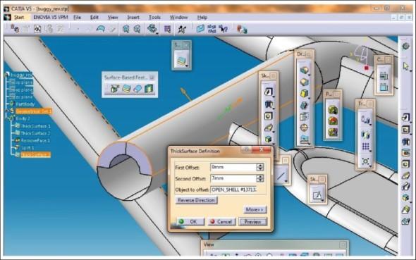 Převod plošného modelu na model objemový v softwaru.