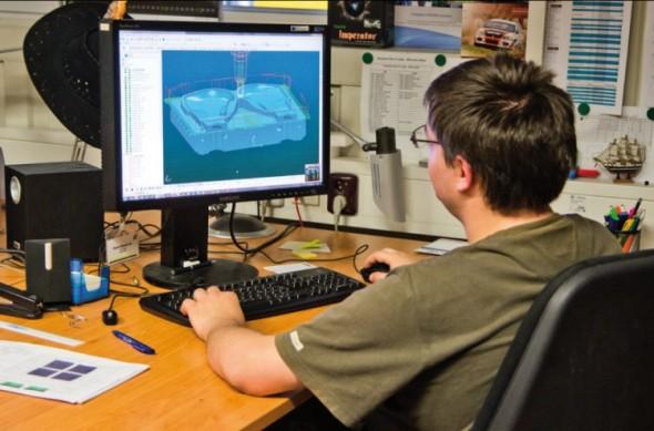 Integrovaná simulace obrábění pomáhá technologům vyvarovat se nebezpečných kolizí.