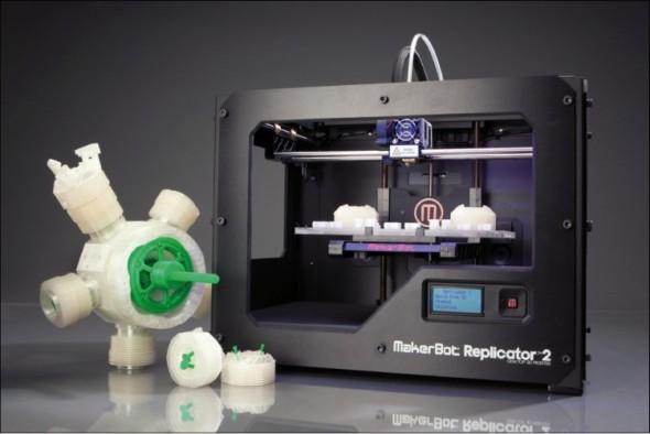 MakerBot Replicator 2 je zařízení prověřené mnoha tisíci uživateli, což z něho v kombinaci s cenou pod sedmdesát tisíc včetně daně dělá velmi zajímavou 3D tiskárnu.