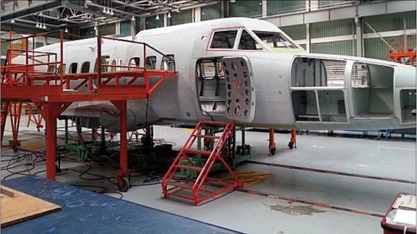 V hale Aircraft Industries se již rodí první prototyp nové generace letounu L-410 NG, který by měl vzletět ještě letos.