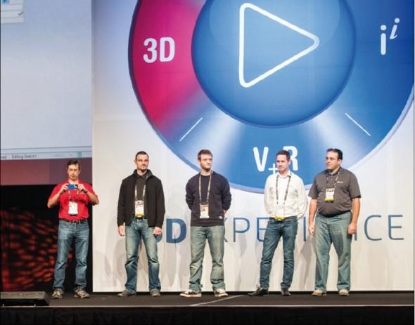 Letošní soutěž ve 3D modelování našla jednoho vítěze taky na Slovensku. Stal se jím Radoslav Zavřel (druhý zleva) z firmy Schier Technik Slovakia.