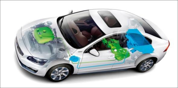 Čerstvá novinka od Volva s krkolomným označením S60L PPHEV je benzinový plug-in hybridní sedan, kombinující dvoulitrový zážehový čtyřválec a elektromotor s bateriemi pod podlahou kufru.