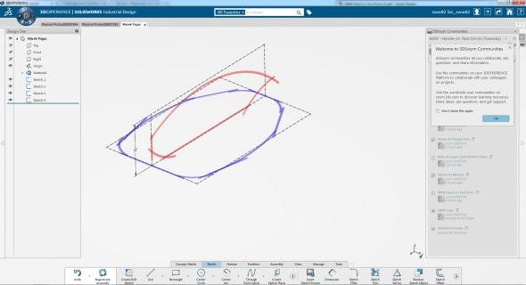 Základem modelováním je kresba obrysu finálního modelu. Vtomto případě se jedná o půdorys a bokorys myši. Screenshot: Marek Pagáč