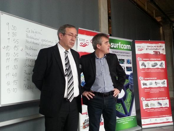 Josef Malý (vlevo), ředitel společnosti 3E Praha Engineering a Martin Vodrážka, ředitel společnosti Teximp, představili profil firem a prezentovali nabízené služby voblasti podpory CAM a CNC obrábění. Foto: Marek Pagáč