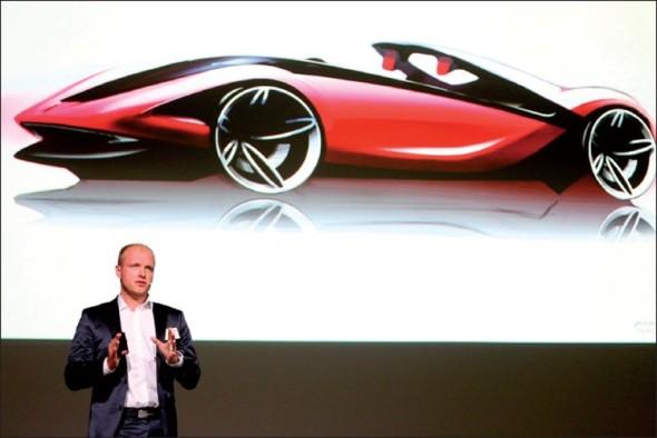 Designér Braňo Maukš letos prezentoval koncept automobilu Sergio na konferenci AutoDesign Prague.