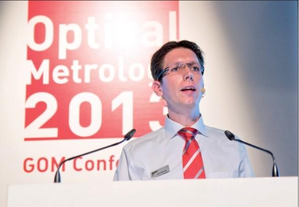 Dirk Behring, obchodní ředitel společnosti GOM, na konferenci Optical Metrology 2013 v německém Braunschweigu.
