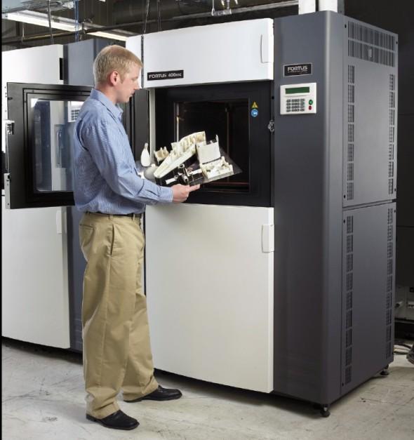 Profesionální řešení pro aditivní výrobu si stále drží cenu, ta však odpovídá hodnotě a kvalitě, jež tato zařízení výrobní sféře nabízejí.