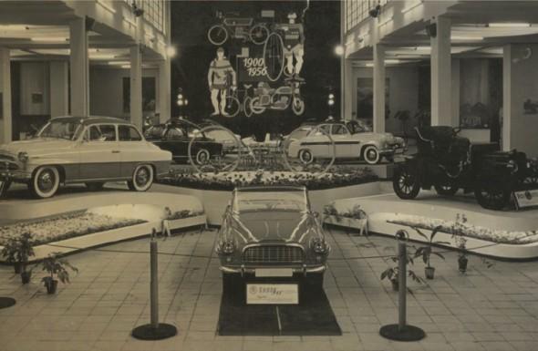 """Škoda 440 alias """"Spartak"""", vystavovaná v roce 1956, získala vel-kou popularitu v zahraničí, zejména v Jižní Americe a na Novém Zélandu."""