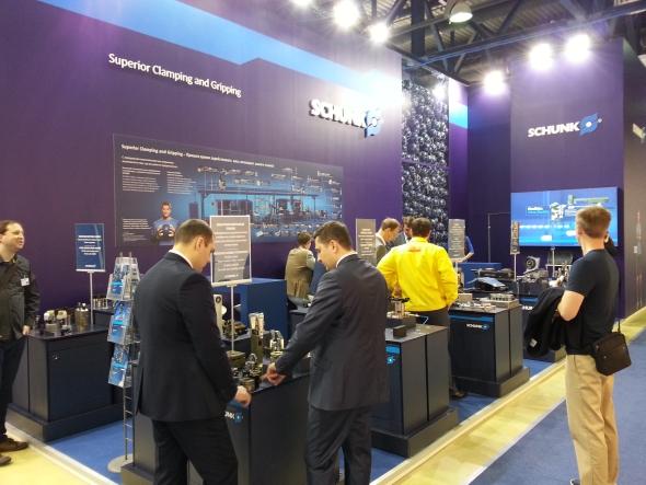 Německá společnost Schunk vystavovala upínací techniku. Její zaměření taky zasahuje do oboru automatizace.