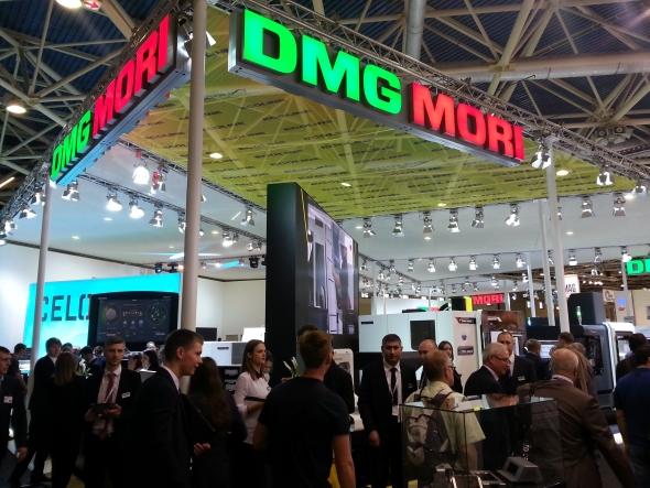 Již tradičně jednou znejvětších expozitur tvořily CNC obráběcí stroje společnosti DMG Mori.
