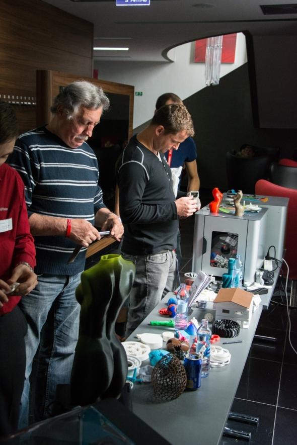 Na konferenci vystavovala 3D tiskárny společnost 3Dwiser. Foto: Miroslav Vyhnalík