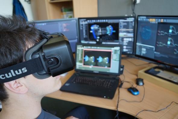 Živé ukázky na semináři doplní vizualizace s virtuálními brýlemi Oculus Rift. Foto: Jiří Pánek