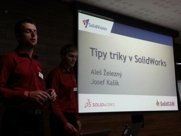 Zajímavé tipy a triky si pro zájemce připravili Aleš Železný (vlevo) a Josef Kašík. Foto: Marek Pagáč