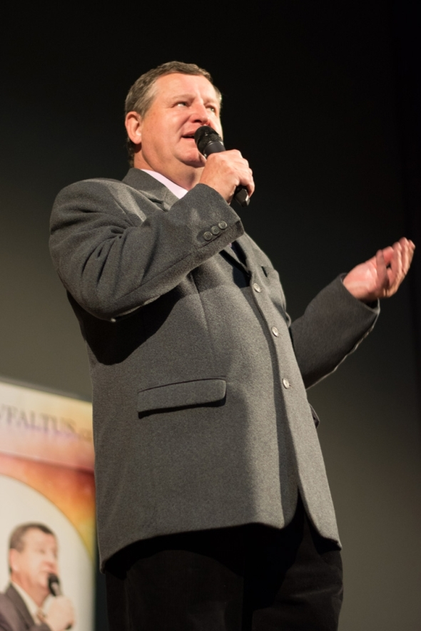 Hlasy politiků a herců imitoval Václav Faltus. Foto: Miroslav Vyhnalík