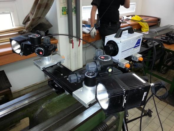 Kamera byla instalována na konvenční soustruh a proces obrábění se zaznamenal pomocí kamery propojenou spočítačem dodigitální podoby. Foto: Marek Pagáč