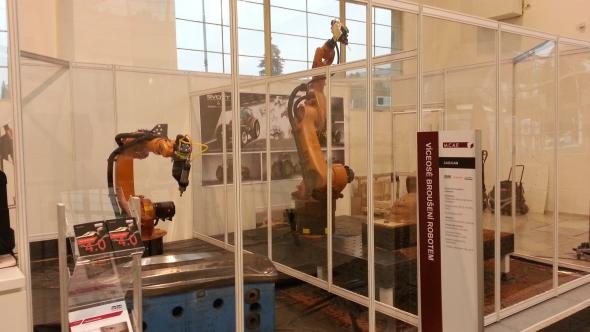 Koncové efektory robotů mohou obrábět, svářet i uchopovat