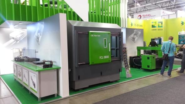 Konkurenční boj firem má pro uživatele strojů jednu velkouvýhodu a to, že se výrobci snaží vyvíjet cenově dostupné a vysoce výkonné kvalitní zařízení snízkými energetickými i provozními náklady. To se povedlo společnostem Hiwin a BT Bear Tronic, které společně vyvinuly modulovou řadu CNC řízených strojů FeiCut pro řezání materiálů laserem. Stroje jsou určeny zejména pro český a slovenský strojírenský průmysl