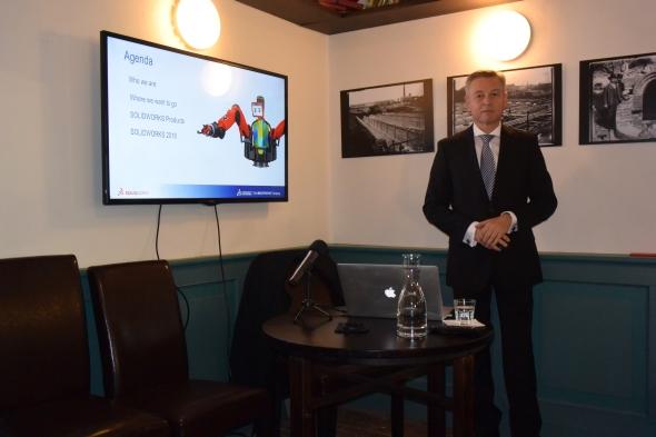 Statistické údaje a novinky vSolidWorksu 2016 prezentoval Uwe Burk na setkání novinářů ve Staré čističce odpadních vod v Praze