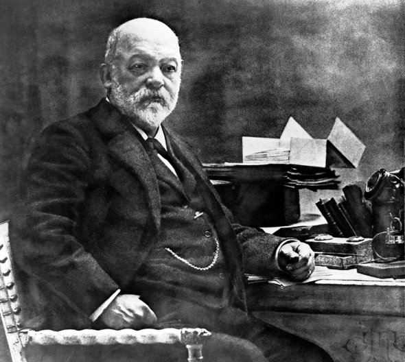 První automobil sestrojil Gottlieb Daimler. O patent zažádal 29. srpna 1885. Foto: MyAutoWorld.com