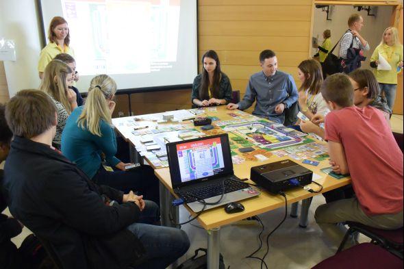 Zábavnou formou studenti získávaly informace o povoláních