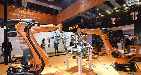 Sérií robotů KR Cytec Nano pro oblasti snízkou zátěží představila společnost KUKA na China International Industrial Fair vŠanghaji. Foto: KUKA