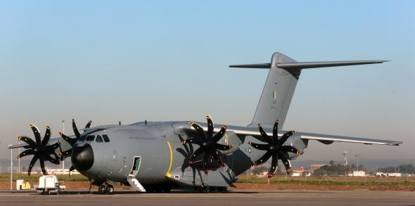 Trubka je součástí palivového systému vojenského speciálu Airbus A400M. Foto: Airbus