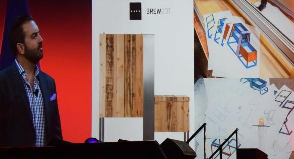 Projekt domácího pivovaru Brewbot podpořilo na webu Kickstarter 381 lidí. Pro realizaci získala firma 115 tisíc liber