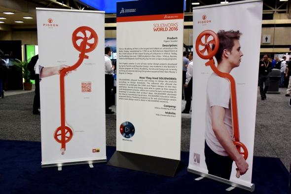 Tvar koloběžky je speciálně navržený pro zavěšení na rameno s ohledem na ergonomii
