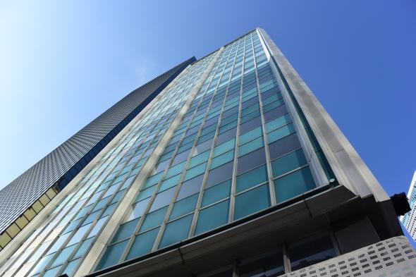 V horních patrech mrakodrapů jsou kanceláře