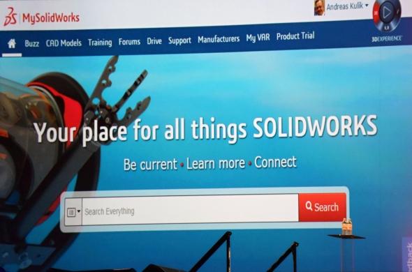 Důležitou oporou SolidWorksu je silná komunita. Pro komunikaci, vzdělávání a vyhledávání návodů, tipů a triků slouží uživatelské fórum My.SolidWorks
