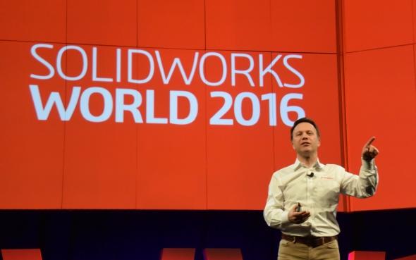 Generální ředitel SolidWorksu Gian Paolo Bassi zahájil konferenci SolidWorks World 2016 vDallasu