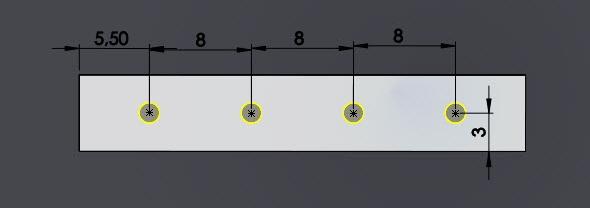 Umístěte středy děr se závitem a zakótujte jejich polohy