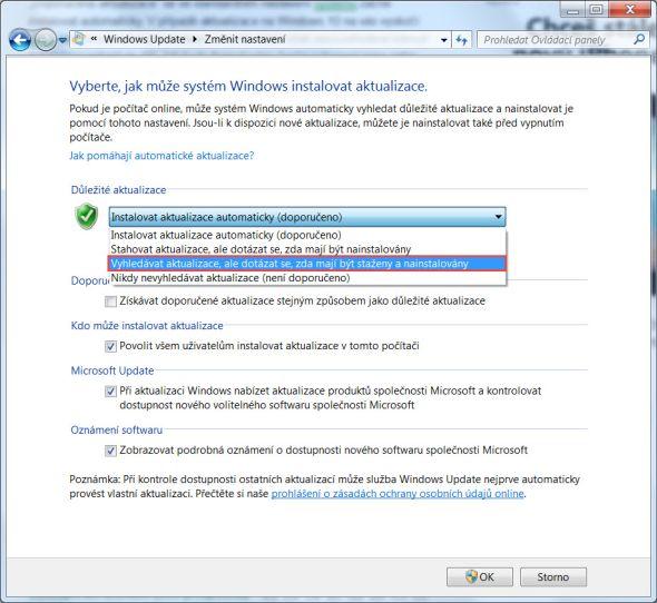 Stažení aktualizací zamezíte změnou nastavení vpoli Důležité aktualizace. Zroletového menu vyberte položku Vyhledávat aktualizace, ale zeptat se, jestli je chci stáhnout a nainstalovat