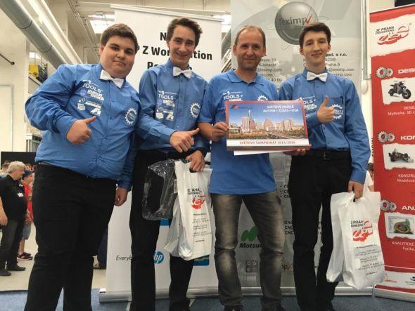 První místo vsoutěži Formule 1 ve školách místo obsadil týmMiracle Engineers z VOŠ a SPŠ, Strakonice