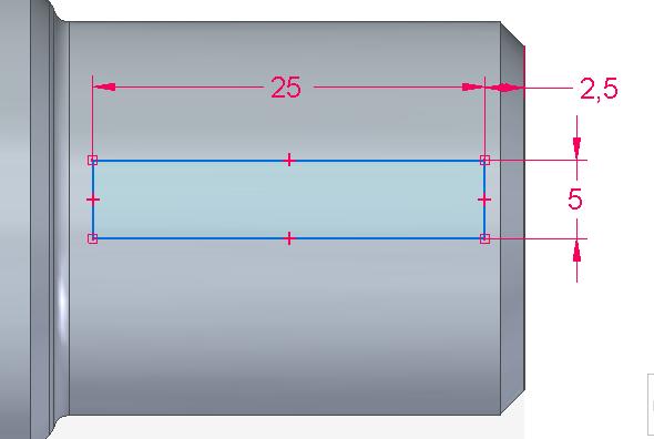 Nakreslený obdélník příkazem Chytrá kóta a zakótujte délku 25 mm, šířku 5 mm a odsazení od pravé hrany čepu 5 mm