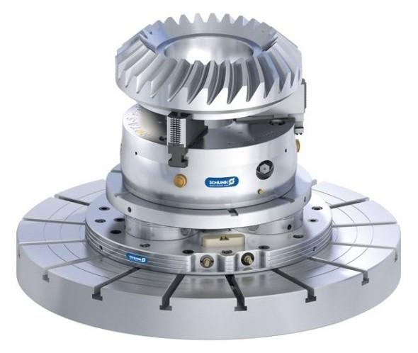 Obrobek upnete na stůl obráběcího stroje sopakovatelnou přesností 0,005 mm bez dalších redukcí