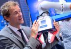 2-Konstrukter-Schunk-chapadlo-automatizace-spoluprace-clovek-robot-automatizace-Co-act-JL1