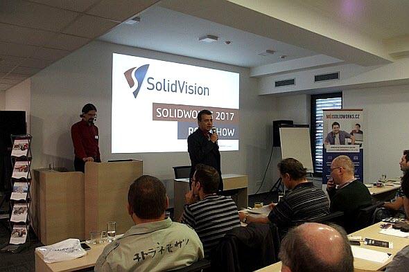 Uživatele SolidWorksu přivítal Rostislav Hanák. Foto: Iva Tomečková